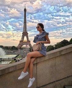Travel photography, europe outfits, paris outfits, france photos, paris p. Europe Travel Outfits, Travel Outfit Summer, Europe Outfits Summer, Europe Fashion, Travel Europe, Usa Travel, Travel Packing, Paris Pictures, Paris Photos