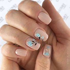 Natural Inspiration For Graduation Nails picture 4
