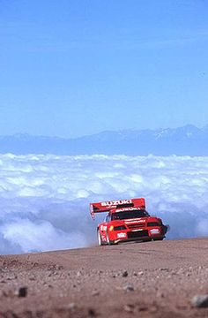 Photographs of the 1996 Suzuki Escudo Pikes Peak Version. An image gallery of the 1996 Suzuki Escudo Pikes Peak Version. Autos Rally, Rally Car, Hill Climb Racing, Pikes Peak, Japanese Cars, Twin Turbo, Car Pictures, Car Pics, Courses