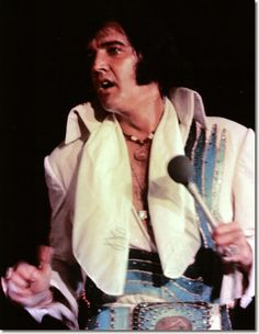 Elvis Presley October 6, 1974 : University Of Dayton, Dayton.