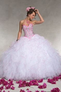2013 Quinceanera Dresses Ball Gown Sweetheart Sweep/Brush Train Beading & Sequins Organza