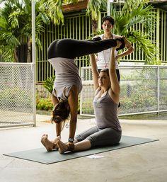 Partner yoga, Acro yoga
