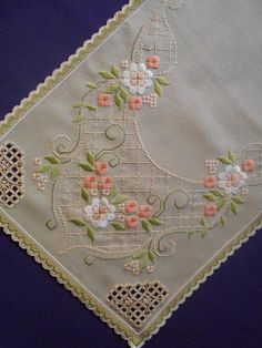 Pot Holders, Elsa, Cross Stitch Embroidery, Tablecloths, Quilts, Farmhouse Rugs, Manualidades, Driveways, Stitching