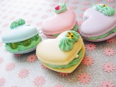 How to Make Sugar Decorations for Macarons - www.macarons.org....  Could use the decorations on mini-cupcakes, too, I think....