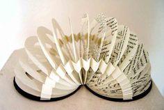 Oooo i wanna make this Slinky book!