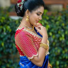 Wedding Saree Blouse Designs, Pattu Saree Blouse Designs, Half Saree Designs, Fancy Blouse Designs, Wedding Sarees, Sari Blouse, Mehndi Designs, Mirror Work Blouse Design, Maggam Work Designs