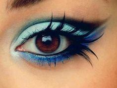 Maquiagem com azul e preto