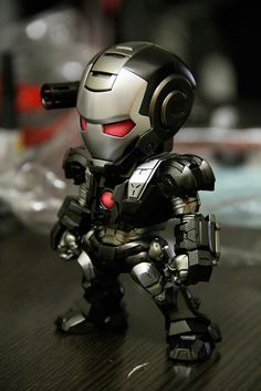 War Machine figure by Levi of Hong Kong Model League