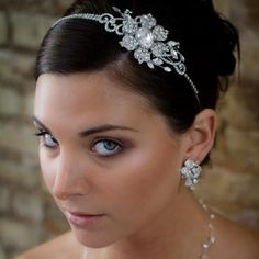 Sparkling Crystal Flower /& Butterfly Hair Clips Wedding Bridesmaid 568
