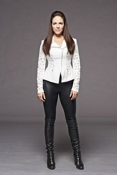 Anna Silk a.a Bo Dennis Lost Girl ❤ Lost Girl Season 5, Girls Season, Lost Girl Fashion, Lost Girl Bo, Anna Silk, Future Clothes, Woman Crush, Girl Photos, Cool Outfits