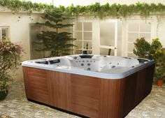 Model: Spa - 516  Size: 2300x2300x960mm  Colour: White  Seating Capacity: 7 Person  Power Supply: 220~240V/50~60HZ or 380V/50Hz