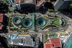 Garden Santa Fe Arquitectoma, una de las firmas inmobiliarias y de arquitectura más respetadas en México, recibió el galardón Iconos del Diseño 2014 en la categoría de Arquitectura Pública, por el proyecto Garden Santa Fe.