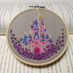 Diy Embroidery Designs, Hand Embroidery Stitches, Embroidery Techniques, Cross Stitch Embroidery, Learning To Embroider, Idee Diy, Disney Theme, Disney Diy, Creations