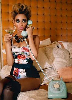Beyonce - This photo is amazing anddd so is what she's wearing. Want it!
