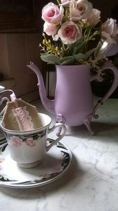 Teiera in ottone, ricolorata in Rosa Vintage #Shabby #chic #teiera #teatime firmata M&M Art