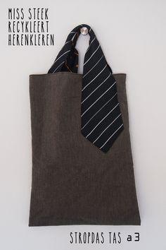 in PANDacht werkte ik met HERENkleren ik verwerkte ze tot tassen de eerste drie werden simpele shoppers vandaag maakte ik een h...