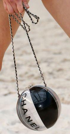Chanel Spring Summer 2019 Runway Bag Collection and 🛍️ Purses and Bags Handbags On Sale, Chanel Handbags, Fashion Handbags, Purses And Handbags, Fashion Bags, Handbags Online, Runway Fashion, Balenciaga Handbags, Denim Handbags