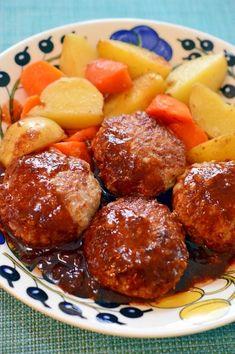 「マヨネーズでふっくら♪ハンバーグ」マヨネーズを肉種に入れると、ハンバーグがふっくらしますよ。冷めても美味しいので、残ったらお弁当にもオススメです!ソースは、簡単に、家にあるもので作りました。【楽天レシピ】