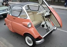 Vintage car and supercar famous photos Bmw Isetta, Microcar, Beetle Car, Miniature Cars, Weird Cars, Transporter, Pedal Cars, Unique Cars, Cute Cars