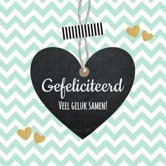 Hippe felicitatiekaart voor een huwelijk met hartje en zigzagprint, verkrijgbaar bij #kaartje2go voor € 1,79