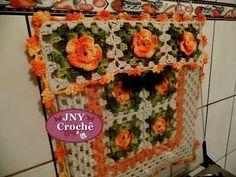 Passo a Passo Capa de Fogão 4 bocas de Crochê com flores Meu jardim por JNY Crochê - YouTube Crochet Designs, Crochet Patterns, Crochet Kitchen, Washing Clothes, Tea Towels, Pot Holders, Daisy, Youtube, Crafts