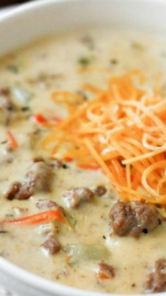 Cheeseburger Soup ~ This is an award winning soup and it is absolutely amazing! Still looking for the best cheeseburger soup, this might be the one! Venison Recipes, Crockpot Recipes, Cooking Recipes, Turkey Recipes, Deer Burger Recipes, Turkey Crockpot, Applebees Recipes, Beef Soup Recipes, Cheese Burger Soup Recipes