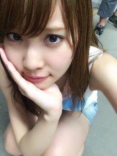 永尾まりや  『優子さん卒業コンサート』 画像たくさんあげたからみてね♪  http://s.ameblo.jp/nagao--mariya    コンサート前髪あげてたけど やっぱり恥ずかしくなっておろした   落ち着く笑   NGO