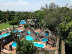 La Hacienda de Cocoyoc tiene la belleza de la arquitectura colonial del siglo XVI Ex Hacienda, Mexico Travel, The Good Place, Mansions, House Styles, Wedding, San Jose, Amazing Places, Santa