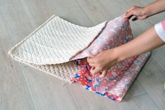 Couture, Handmade Bags, Beach Mat, Purses And Bags, Diy And Crafts, Outdoor Blanket, Pouch, Challenges, My Favorite Things