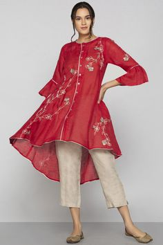 Shop Kaveri Linen Embroidered Tunic , Exclusive Indian Designer Latest Collections Available at Aza Fashions Stylish Dresses For Girls, Stylish Dress Designs, Simple Dresses, Casual Dresses, Fashion Dresses, Simple Outfits, Skirt Fashion, Simple Pakistani Dresses, Pakistani Dress Design