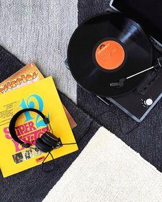 Keeping it classic on Sunday with vintage tunes and our Colour Block rugs.  #madeinportugal #handmade #craft #moderncraft #modern #minimal #monochrome #carpet #rug #kilim #flatweave #tapis #teppich #tæppe #matta #handwoven #etsy #etsyseller #instadeco #instadecor #design #designer #olhao #olhão #algarve #casacubista casa cubista