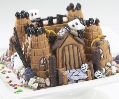 Castle Cake Mold - Build an empire of sweets your kids will go crazy for using this castle cake mold. With this unique non-stick bundt pan, you?ll be able to enjoy professional bakery quality cakes with minimal effort and for a fraction of the price.