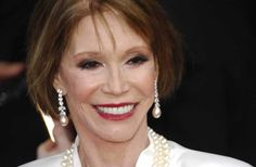How much did Mary Tyler Moore love animals? She gave her sable coat to PETA for protests, freed lobsters from restaurants, and narrated our Premarin horse-abuse video.