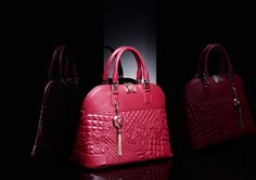"""Athena """"Vanitas"""", a chic city top handle bag with a detachable fine shoulder strap in leather and a zip top closure."""