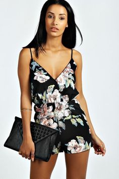 94a78c069da Boohoo Floral Print Playsuit Black Size UK 8 rrp 18 DH180 OO 23  fashion