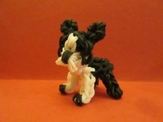 How to make a Boston Terrier on the Rainbow Loom by Lovely Lovebird Designs. Copyright 2014. Please Subscribe! I will be making more Dog Breeds.
