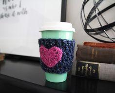 Crochet Travel Mug Cozy: FREE PATTERN - WeeYarn