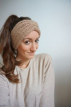 Kostenlose Anleitung Stirnband stricken - My list of the most creative hairstyles Knitting Blogs, Baby Hats Knitting, Knitting For Beginners, Knitting Patterns Free, Free Knitting, Knitted Hats, Free Pattern, Knitting Tutorials, Knit Headband Pattern