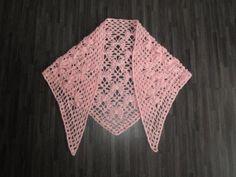 Gehaakte omslagdoek in vlinder motief licht roze