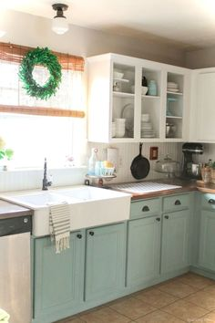 Amazing cottage kitchen cabinets ideas020