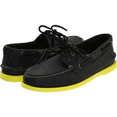 black Sperrys with yellow neon sole stylin-profilin Boys Shoes, Men's Shoes, Nike Shoes, Shoes Men, Dress Shoes, Shoe Sites, Sneakers For Sale, Men's Sneakers, Men Sneakers