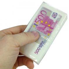 La liasse - euh le paquet - est composé de dix mouchoirs reproduction du billet de cinq cents euros !