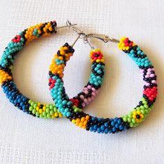 Beaded colorful hoop earrings - geometric earrings - modern art earrings - Beadwork earrings - seed beads earrings - big hoop earrings These beaded colorful crochet hoop earrings are made Seed Bead Jewelry, Seed Bead Earrings, Beaded Earrings, Beaded Jewelry, Seed Beads, Hoop Earrings, Diy Big Earrings, Collar Redondo, Craft Accessories