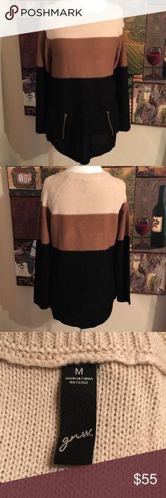 NEW, Color Block Light to Medium Weight Sweater. M GNU COLOR BLOCK SWEATER. SIZE M. Gnu Sweaters