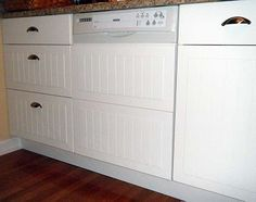 Ikea Hackers DIY: Custom dishwasher panel from cabinets fronts.  Love love LOVE this!  And it is so so simple!!