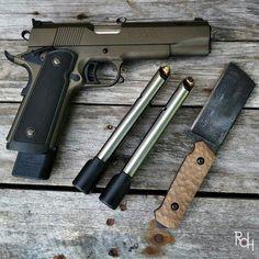 RAE Magazine Speedloaders will save you! Revolver Pistol, 1911 Pistol, Colt 1911, Edc, Gun Vault, Firearms, Shotguns, Submachine Gun, Shooting Guns