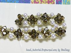 Tutorial : Andreth Level : Beginner Technique : Crossweaving Equipment : - Swarovski crystal bicone 4mm. (Bronze shade) - Swarovski pearl 4mm. (White) - Seed bead 11/0 (Miyuki Silver-line gold) - Jumprings and clasp - Nylon thread no. 25 - Optional - Swarovski crystal bicone 3mm. (Erinite AB2X)…