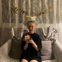 Birthday Party At Home, Birthday Bash, Extended Play, Girlfriend Kpop, Jung Eun Bi, Latest Music Videos, Cloud Dancer, Bday Girl, G Friend