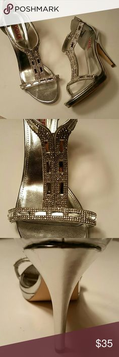 Size 11 Mojo Moxy Silver Dress heels rhinestones Perfect for a wedding or a formal event. Very beautiful and we'll made. Mojo Moxy Shoes
