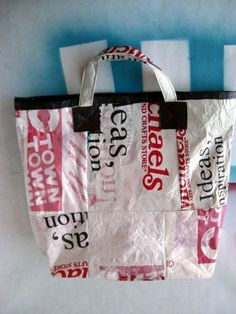 How to fuse plastic bags together to make a great bag. This looks pretty easy. Very cool project.